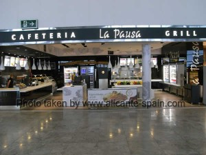 La pausa grill and cafeteria at the airport of Alicante